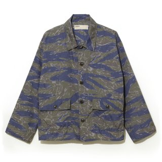 <img class='new_mark_img1' src='//img.shop-pro.jp/img/new/icons5.gif' style='border:none;display:inline;margin:0px;padding:0px;width:auto;' />【NAISSANCE】CAMO SHIRT JACKET