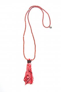 <img class='new_mark_img1' src='https://img.shop-pro.jp/img/new/icons20.gif' style='border:none;display:inline;margin:0px;padding:0px;width:auto;' />【MIKIA】Necklace / Suede Bandana (CORAL)