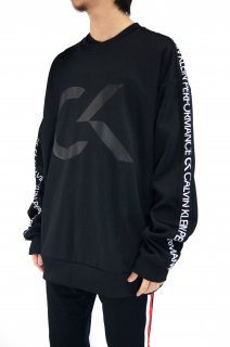 <img class='new_mark_img1' src='//img.shop-pro.jp/img/new/icons5.gif' style='border:none;display:inline;margin:0px;padding:0px;width:auto;' />【Calvin Klein Performance】Short Tape Sweatshirt