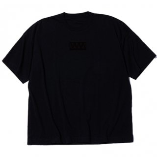 <img class='new_mark_img1' src='https://img.shop-pro.jp/img/new/icons5.gif' style='border:none;display:inline;margin:0px;padding:0px;width:auto;' />【White Mountaineering】WIDE PRINTED T-SHIRT