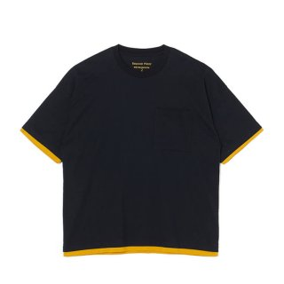 <img class='new_mark_img1' src='https://img.shop-pro.jp/img/new/icons5.gif' style='border:none;display:inline;margin:0px;padding:0px;width:auto;' />【White Mountaineering】LAYERED WIDE T-SHIRT