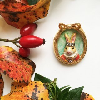 【ブローチ】PRINCESS BUTTERSCOTCH RABBIT CAMEO BROOCH【HOP SKIP & FLUTTER】
