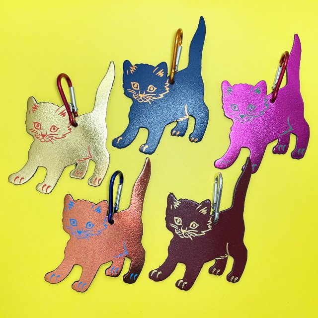 <img class='new_mark_img1' src='https://img.shop-pro.jp/img/new/icons5.gif' style='border:none;display:inline;margin:0px;padding:0px;width:auto;' />【バッグタグ】CAT BAG TAG【ARK Colour Design】