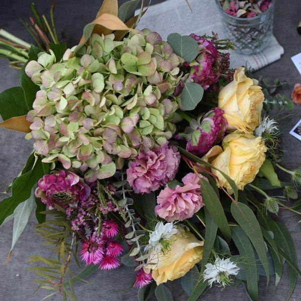ドライフラワーへ変化を楽しむ 花束 ブーケタイプ 生花からドライへ ボタニーク botanique