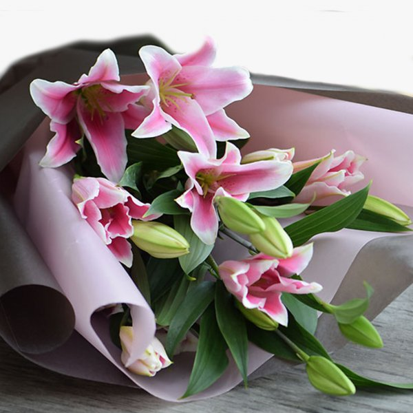 Pink lily 15 bouquet