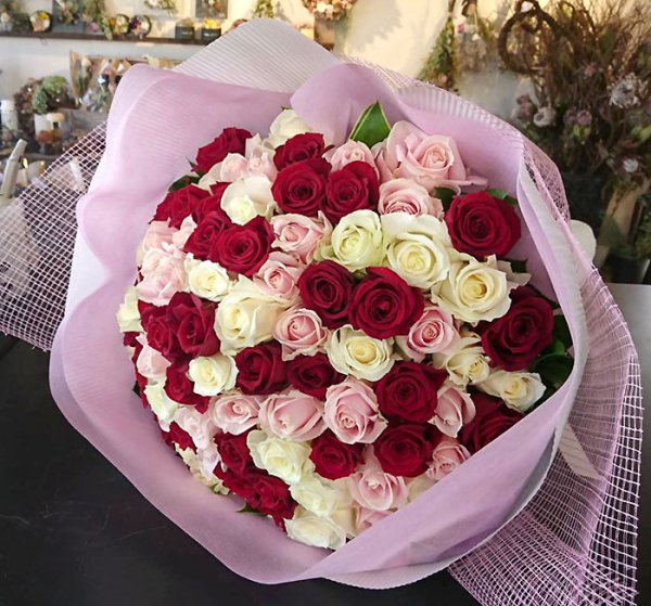 Bouquet of 100 MIX roses