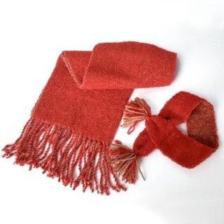 ワンちゃんとおそろいペアマフラー    草木染め、手織りでぜいたくに            (赤・ワンちゃん用Mサイズ)