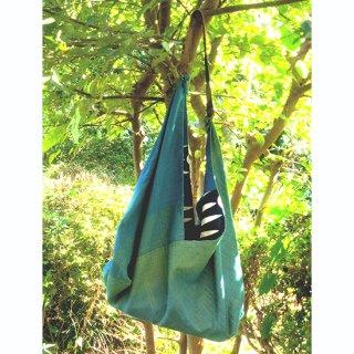 手織りと藍染め鯉のぼりのツーフェイスあずま袋 藍色