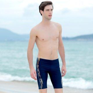 即日発送五分丈の男性人気である平角水着パンツでレジャー感じてファッションの印象。シンプルでかっこいいメンズ水着。