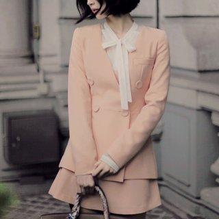 ピンクカラーの欧米風を満たすAラインミニスカートとして可愛くて着回し抜群!お出かけ/デートも大活躍。