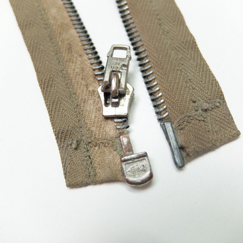 CROWN ZIPPER
