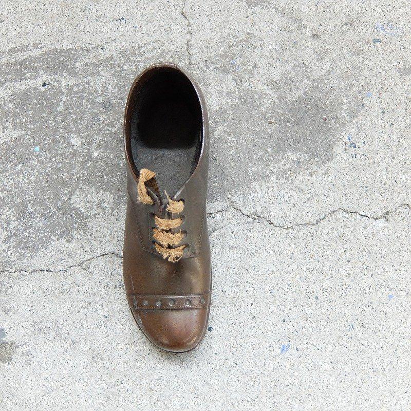 Antique Shoes Ornament