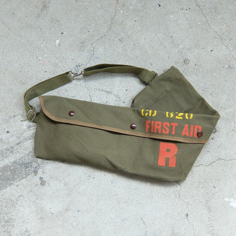 AMERICAN RED CROSS FIRST AID BAG