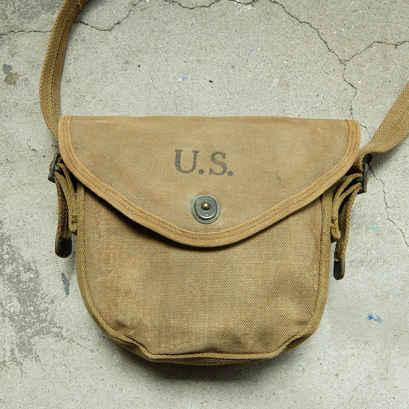 WW2 U.S.ARMY THOMPSON SMG DRUM POUCH
