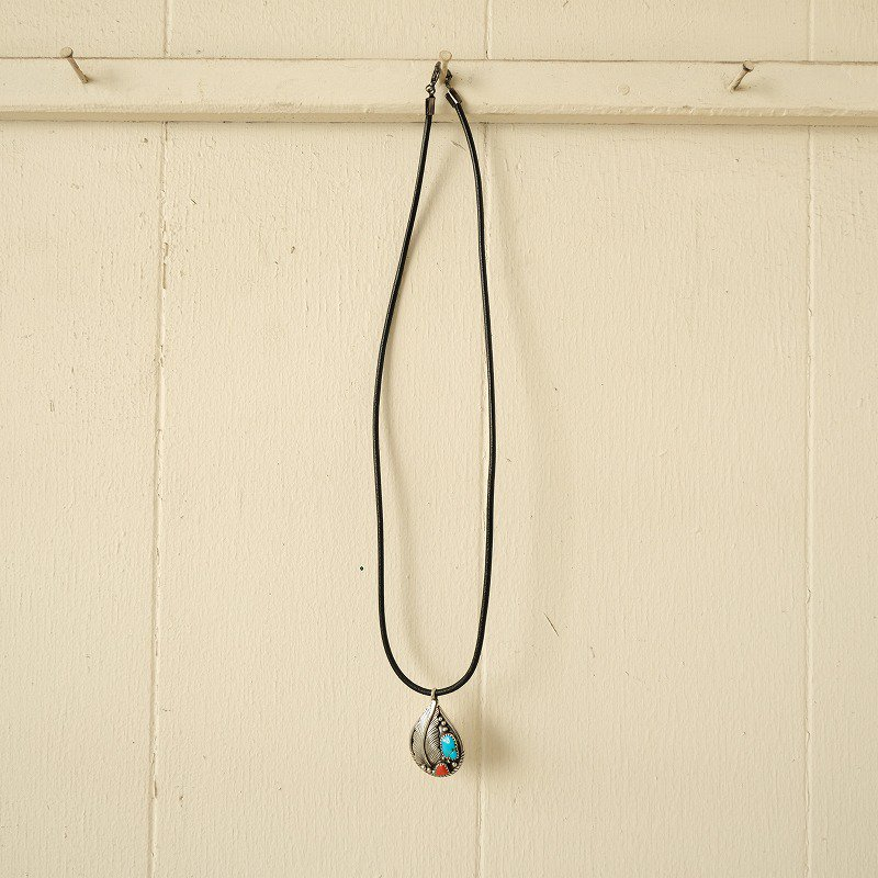 NATIVE AMERICAN FEATHER × TURQUOISE NECKLACE