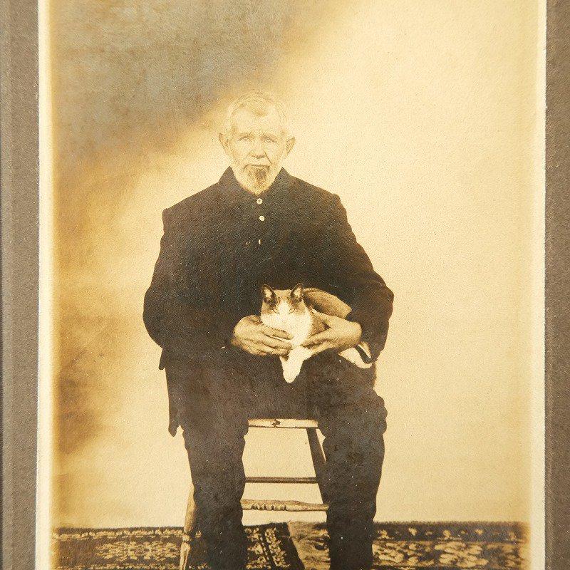 ANTIQUE OLD MAN & CAT PHOTO