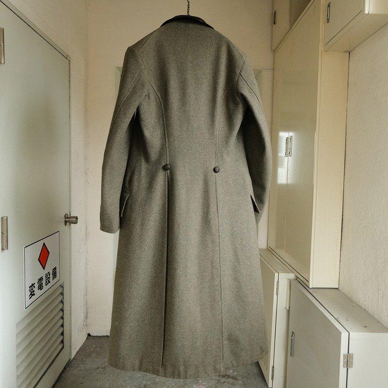 SIRAWBRIDGE & CLOTHIER CHESTERFIELD COAT