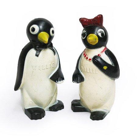 KOOL クールペンギンシェイカーセットです。1950年代製造、プラスチック製。 アメリカたばこメーカーKOOLシガレットの初期キャラクター クール ペンギンこと