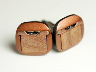ライトブラウンバージョン:ウッドが袖先に柔らかさを与えてくれるカフスボタン Modern 132