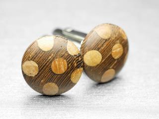 ボタンならではの木のぬくもりを与えてくれるカフスボタン Modern 004