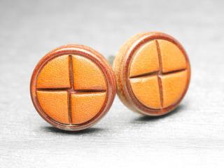 ボタンの厚みが安定感を与えてくれるカフスボタン Advanced 014