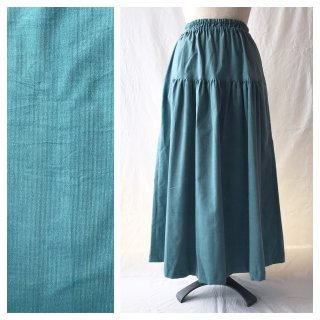 あったかベーシックな細コーデュロイのティアードスカート(ブルーグリーン)