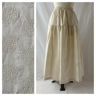 刺繍たっぷり生地のティアードスカート:85cm(生成地×刺繍:生成)