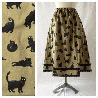 黒猫のレクタングルスカート:75cm(ベージュ×ブラックレース)