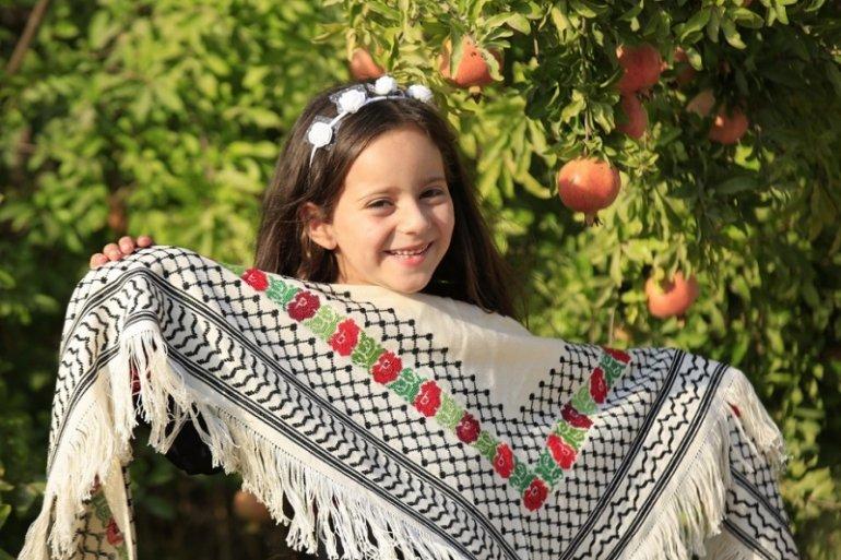 カフィーヤ薔薇刺繍ショール