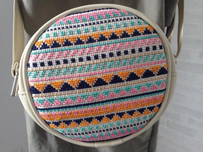 まんまる刺繍バッグ(白)