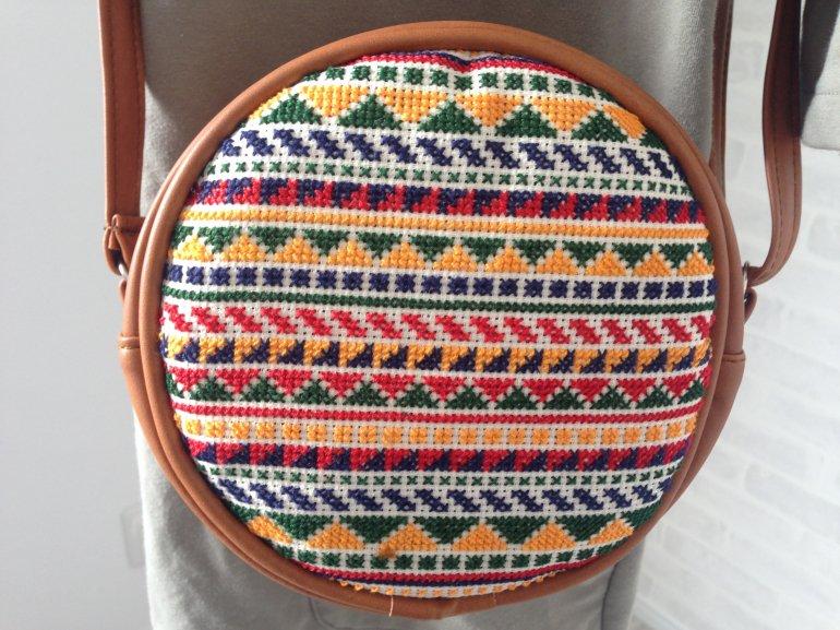 まんまる刺繍バッグ(ライトブラウン)