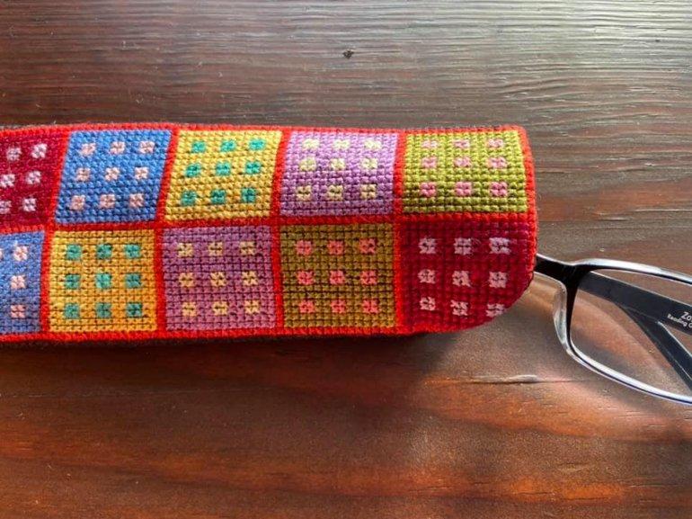刺繍グラスケース(カラフルドット)
