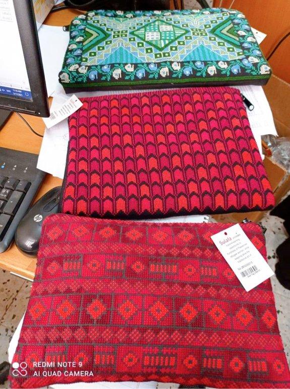 【先行支援】パレスチナ刺繍PCケース(red)