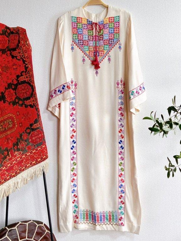 【先行支援】パレスチナ刺繍伝統衣裳(white)