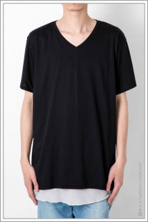 LOOSE V-NECK TEE<br>【Black】