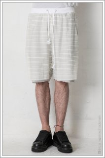 BORDER LAYERED SHORTS<br>【Off】