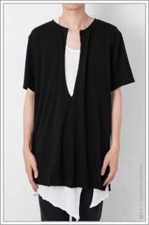 SLIT TAPE TEE<br>【BLACK】