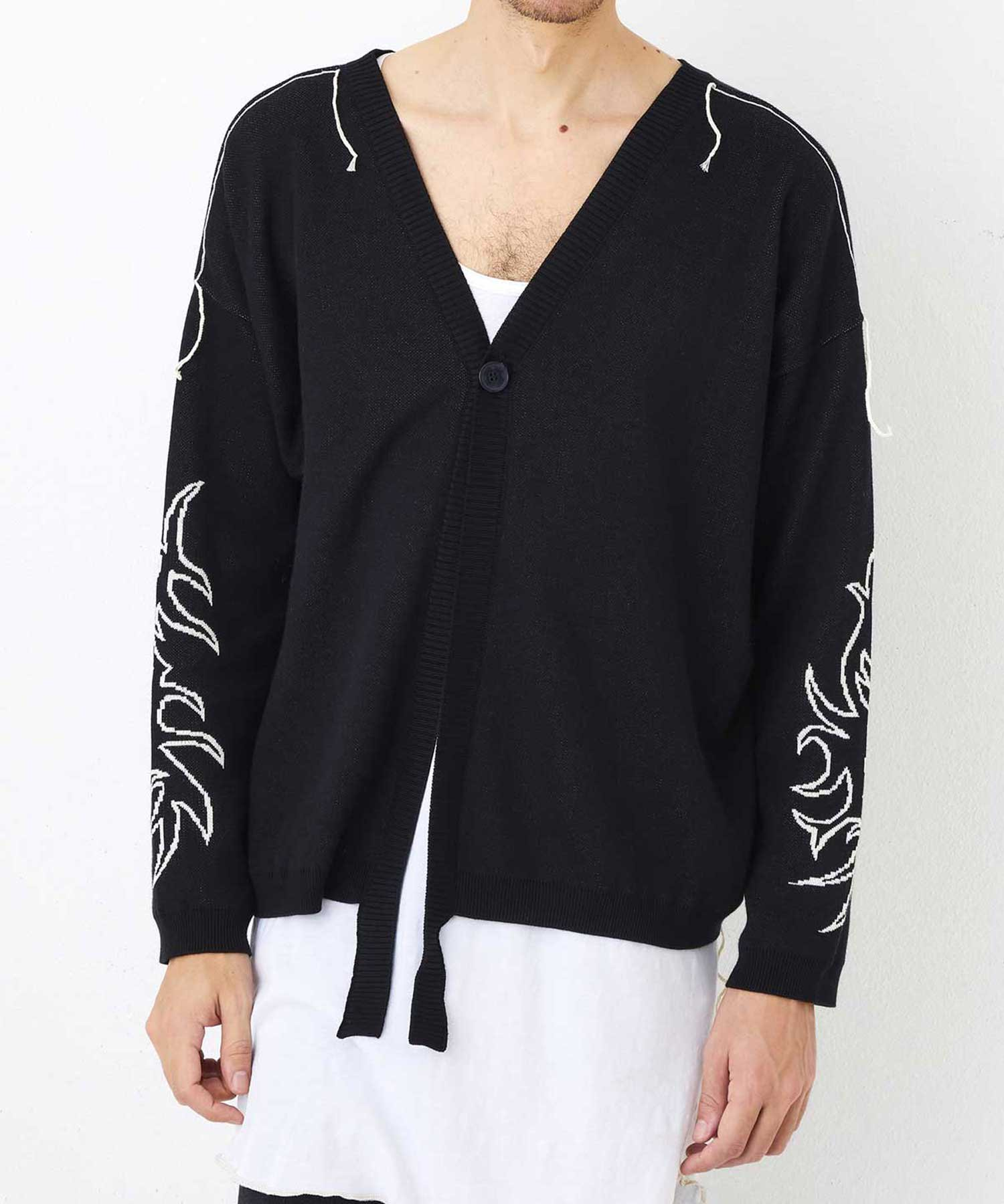 V NECK CARDIGAN【Black】