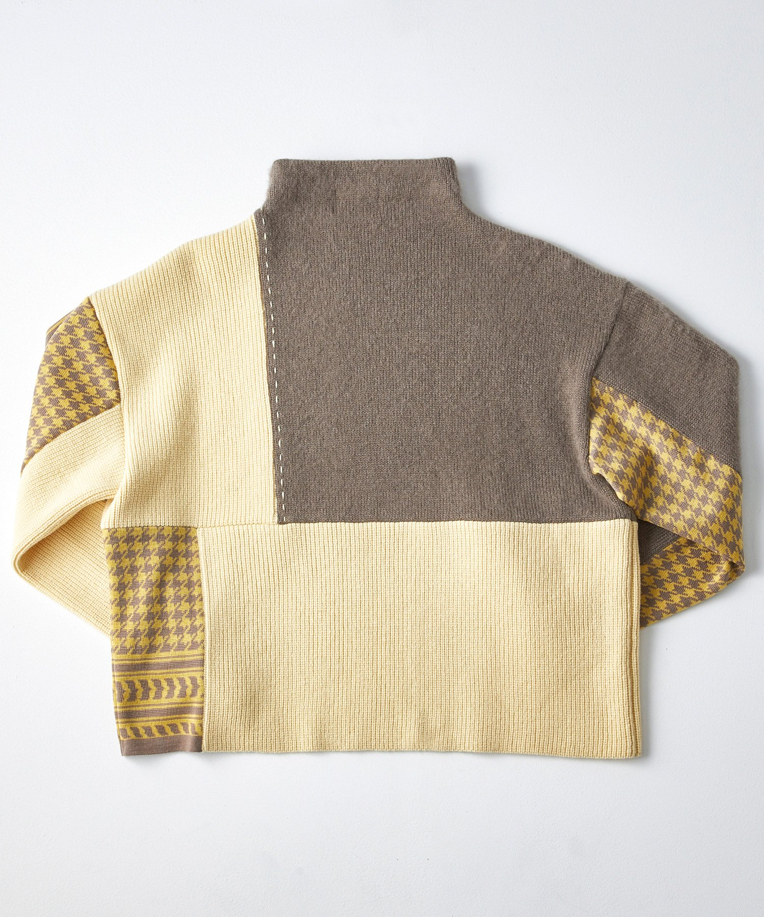 MOCK NECK KNIT【BEIGE】