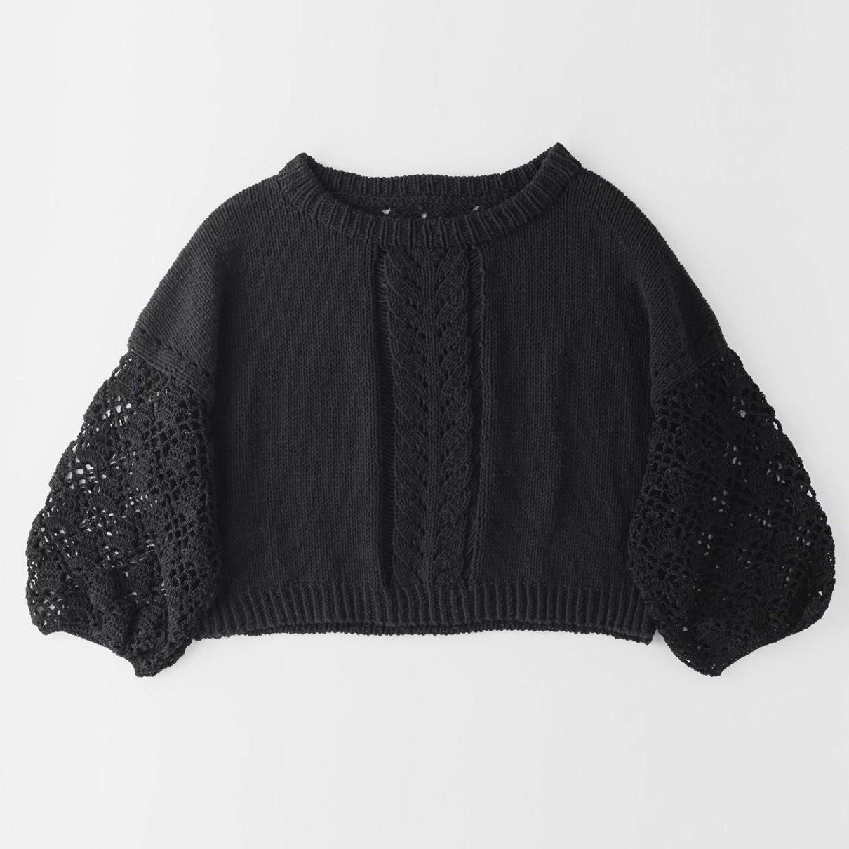 黒のセーター