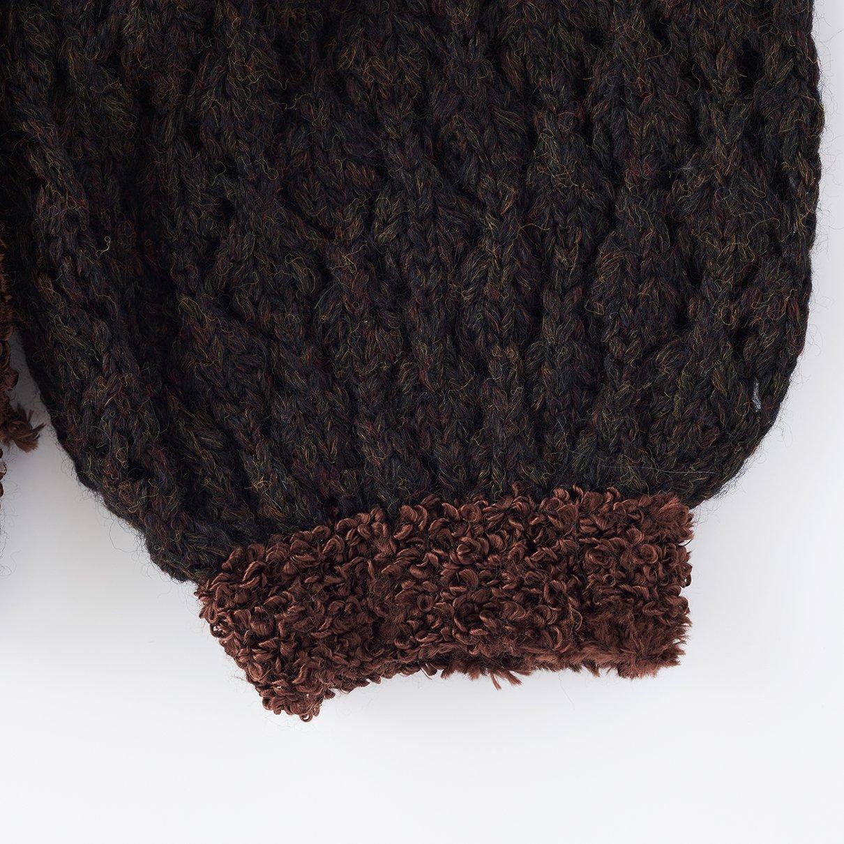 透かし袖のラグランプルオーバー