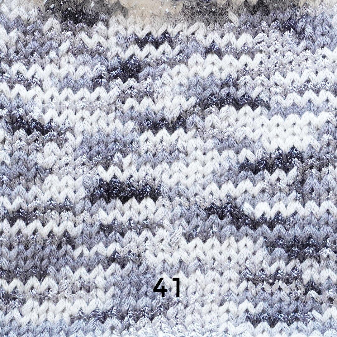 ダイキリの小さな三角衿のベスト