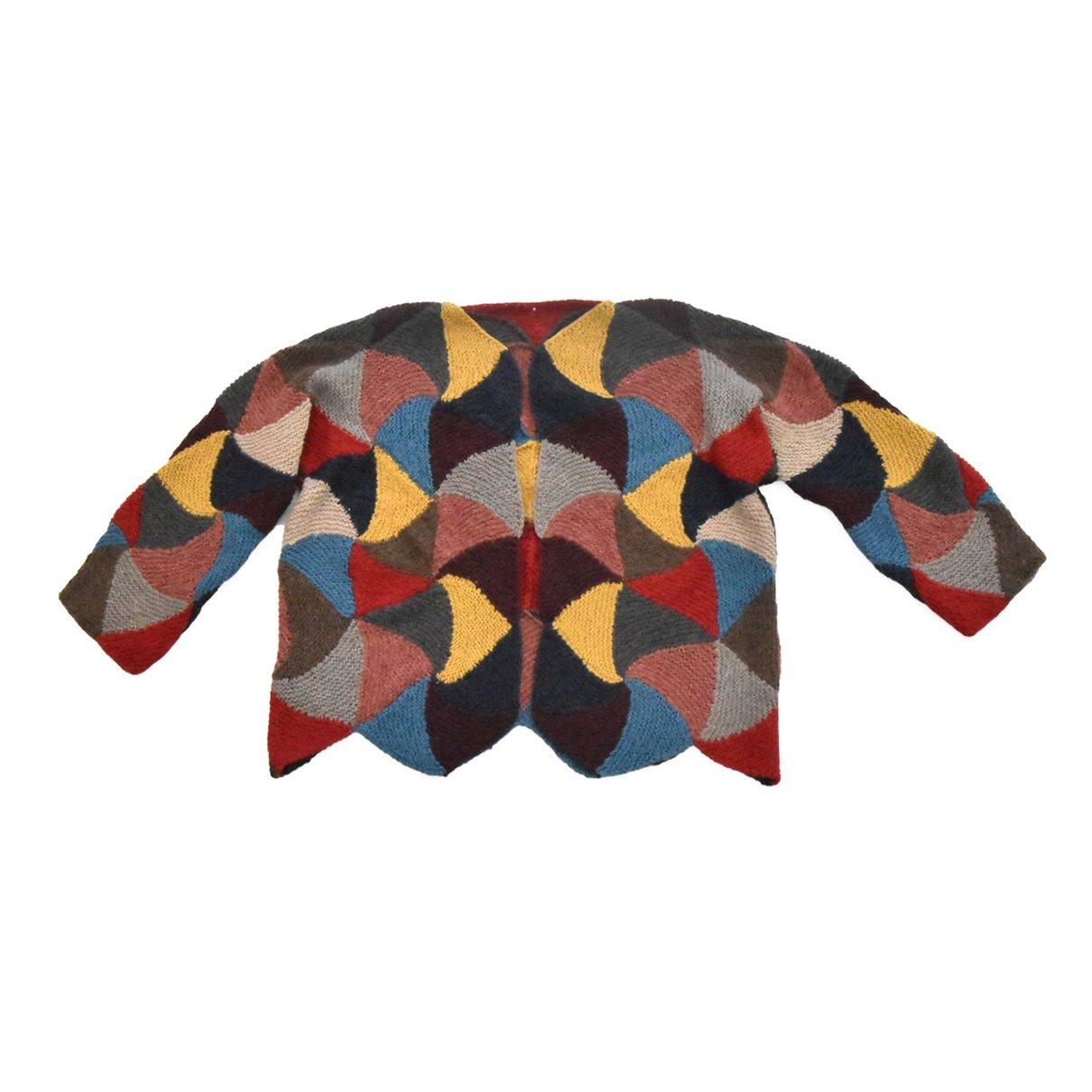 三角モチーフのジャケット