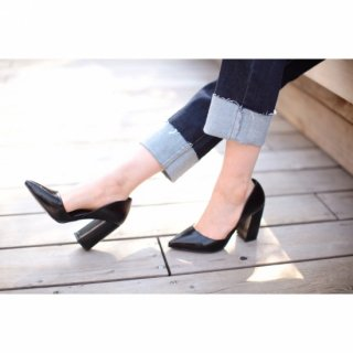 <img class='new_mark_img1' src='//img.shop-pro.jp/img/new/icons32.gif' style='border:none;display:inline;margin:0px;padding:0px;width:auto;' />Chunky Heel Pumps<br>[Black/White]