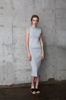 <img class='new_mark_img1' src='//img.shop-pro.jp/img/new/icons8.gif' style='border:none;display:inline;margin:0px;padding:0px;width:auto;' />Sleeveless cable knit  dress