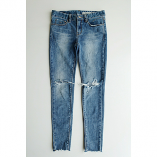 <img class='new_mark_img1' src='//img.shop-pro.jp/img/new/icons32.gif' style='border:none;display:inline;margin:0px;padding:0px;width:auto;' />Damage Skinny Denim<br>[XS/S]