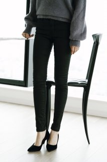 Black Coating Skinny Pants<br>[S/M]