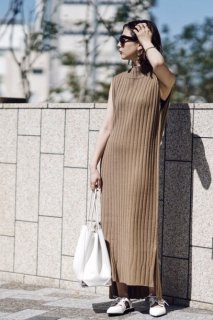 Sleeveless Knit One-piece<br>[Beige/Black]