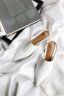 White Simple Flat Sandal
