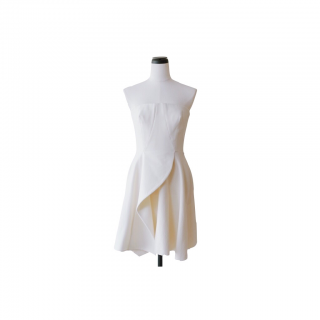 <img class='new_mark_img1' src='//img.shop-pro.jp/img/new/icons38.gif' style='border:none;display:inline;margin:0px;padding:0px;width:auto;' />Stella McCartney<br>White Drape Dress